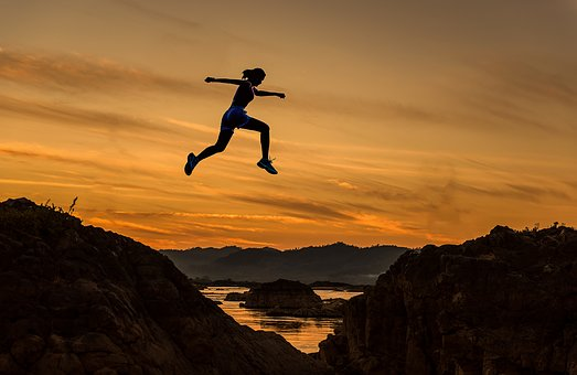 Managing and Engaging High Performers like a leap from one peak to another