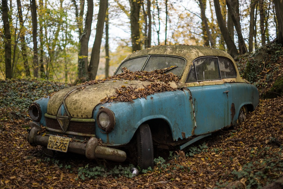 abandoned car showing what happens when Reasons Engagement Survey Results Languish